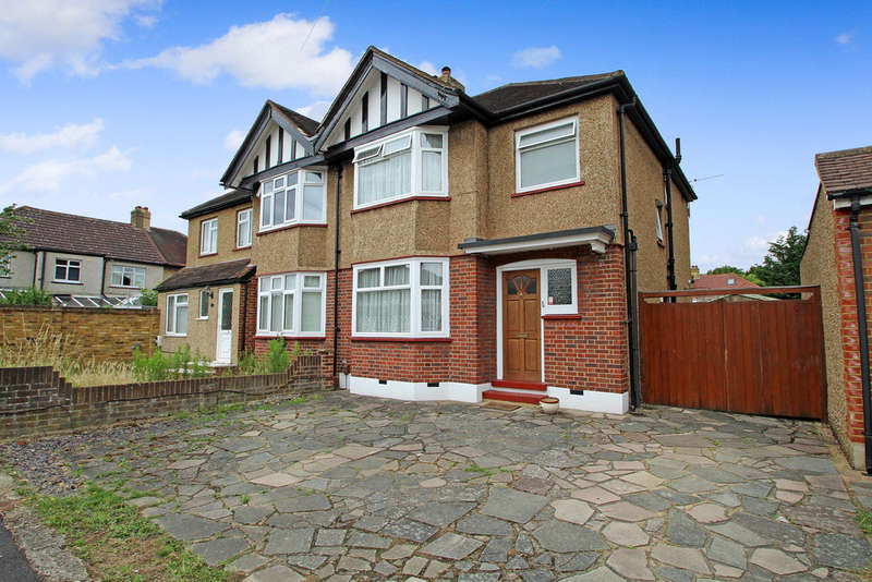 3 Bedrooms Semi Detached House for sale in Sandhurst Avenue, Surbiton