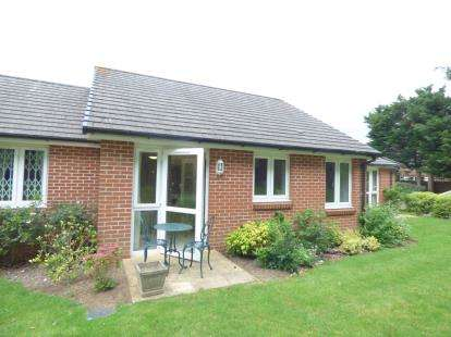 1 Bedroom Retirement Property for sale in 84 London Road, Waterlooville, Hampshire