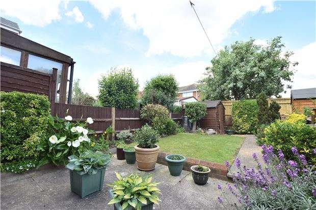 2 Bedrooms Terraced House for sale in Yeats Close, Oxford, OX4 2RG