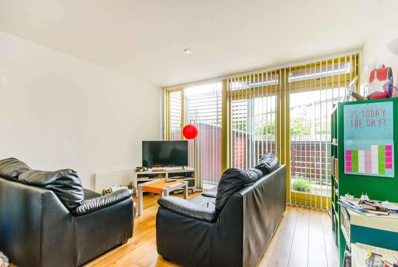 1 Bedroom Flat for sale in Schoolbank Road, Greenwich Millennium Village, SE10