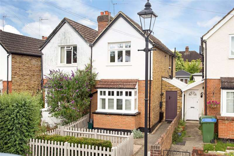 2 Bedrooms Semi Detached House for sale in Norfolk Road, Claygate, Esher, Surrey, KT10