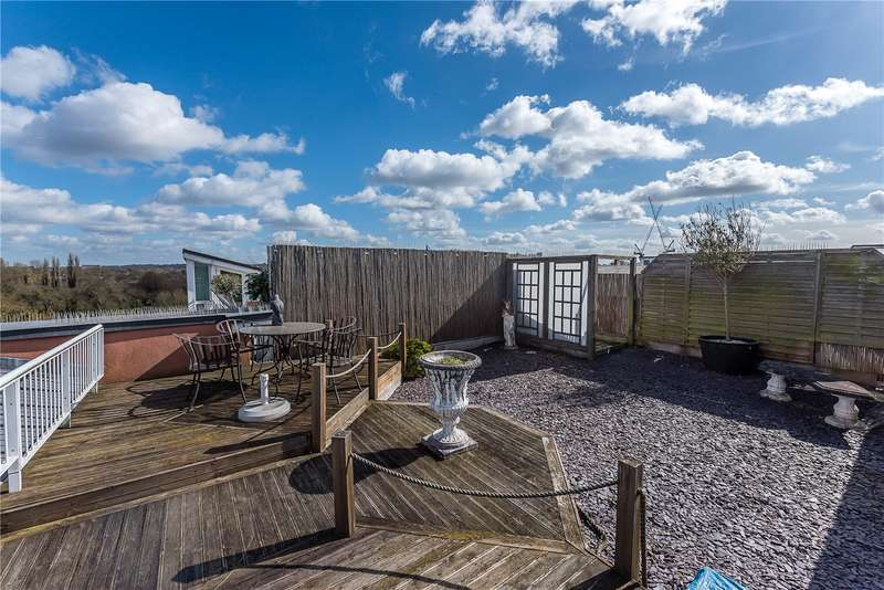 2 Bedrooms Flat for sale in Regatta House, 32 Twickenham Road, Teddington, TW11