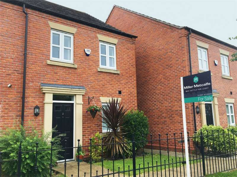 3 Bedrooms End Of Terrace House for sale in Mariner Walk, Chorley, Lancashire