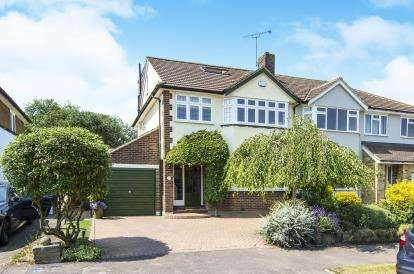 4 Bedrooms Semi Detached House for sale in Theydon Bois, Epping, Essex