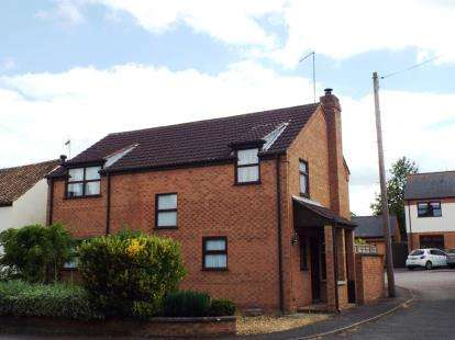 4 Bedrooms Detached House for sale in Thrapston Road, Spaldwick, Huntingdon, Cambs