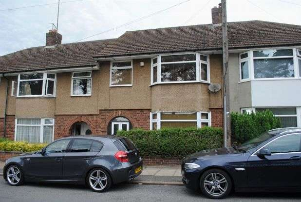3 Bedrooms Terraced House for sale in Balfour Road, Kingsthorpe, Northampton NN2 6JP