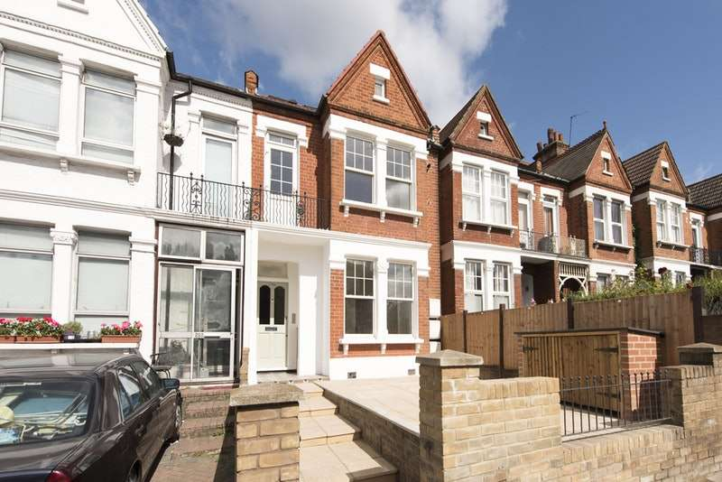 3 Bedrooms Flat for sale in Mitcham Lane, London, London, SW16