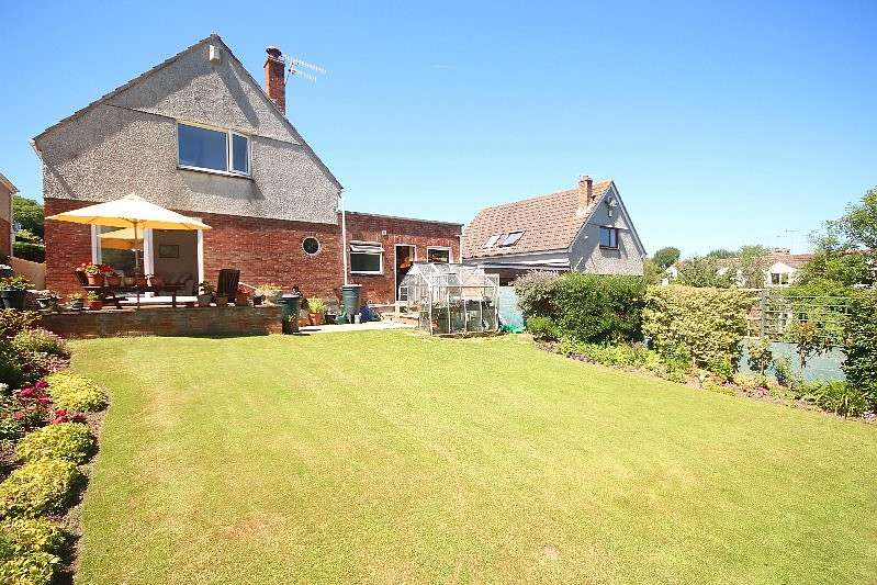 3 Bedrooms Detached House for sale in 2 St. Johns Close, Millbrook