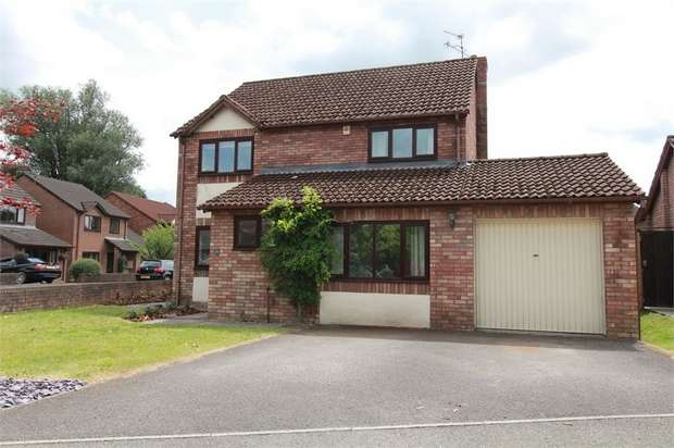4 Bedrooms Detached House for sale in Chapel Mead, Penperlleni, Monmouthshire