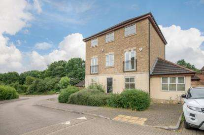 6 Bedrooms Detached House for sale in Brewster Close, Medbourne, Milton Keynes