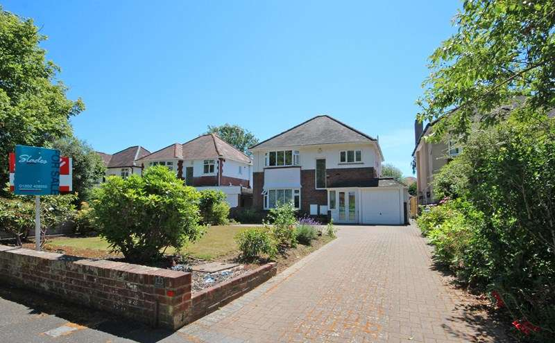 3 Bedrooms Detached House for sale in Carbery Avenue, Southbourne, Bournemouth