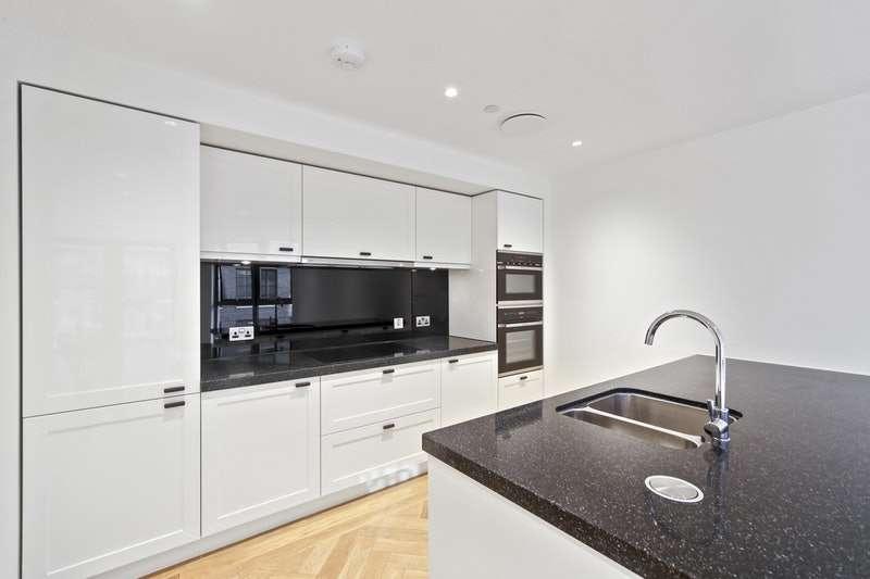 2 Bedrooms Flat for sale in John Islip Street, London, London, SW1P