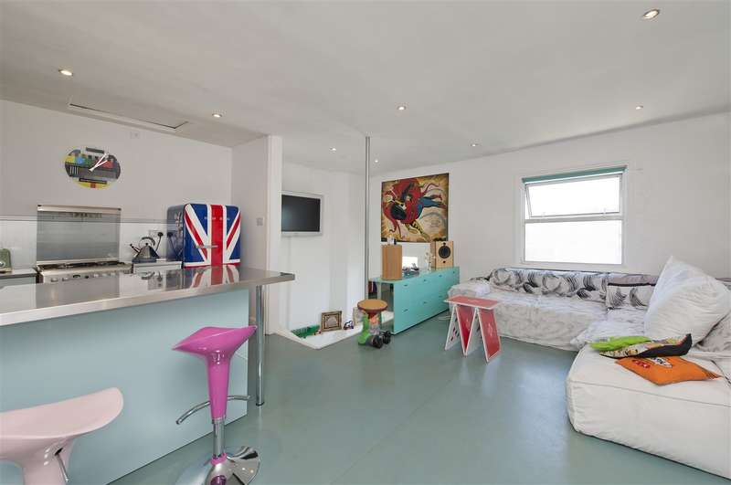 1 Bedroom Flat for sale in Loftus Road, Shepherd's Bush