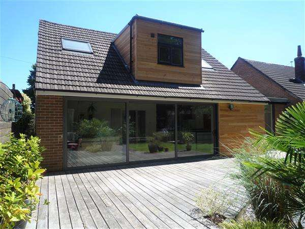 4 Bedrooms Bungalow for sale in Heol Tyn Y Coed, Rhiwbina, Cardiff