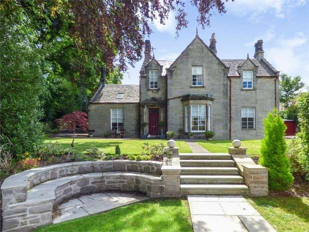 4 Bedrooms Detached House for sale in Mill Road, Cambusbarron, Stirling