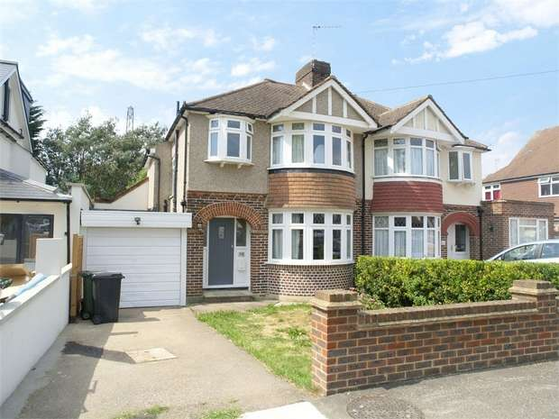 3 Bedrooms Semi Detached House for sale in Riverview Road, Ewell