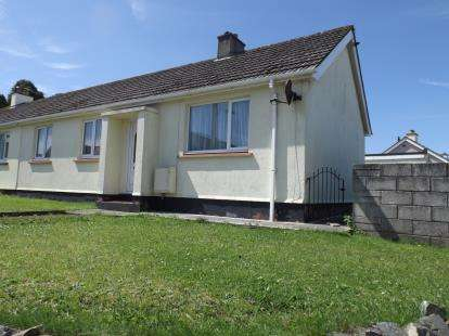 3 Bedrooms Bungalow for sale in Troon, Camborne, Cornwall