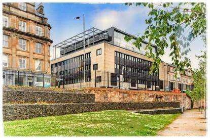 2 Bedrooms Flat for sale in James Morrison Street, Glasgow