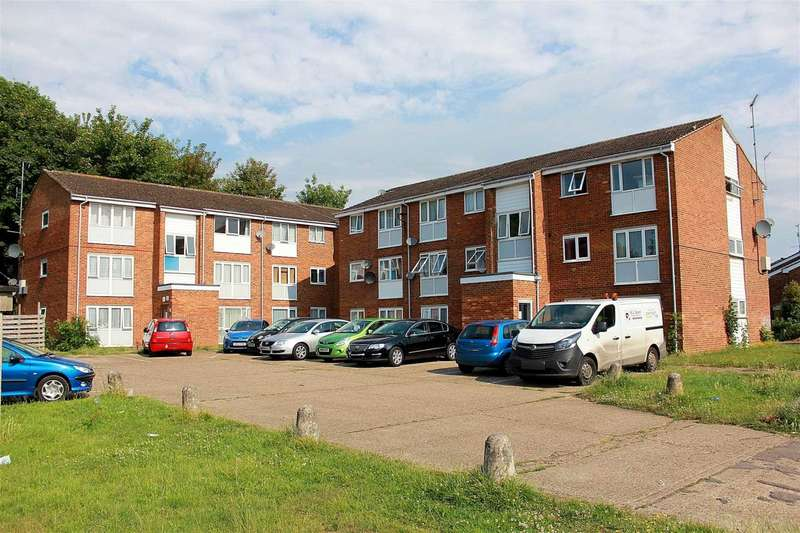 2 Bedrooms Apartment Flat for sale in 2 BED GROUND FLOOR APARTMENT with NO UPPER CHAIN in Cleves Road, Hemel Hempstead