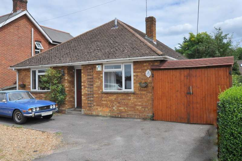 4 Bedrooms Detached Bungalow for sale in Ringwood, BH24 1TN