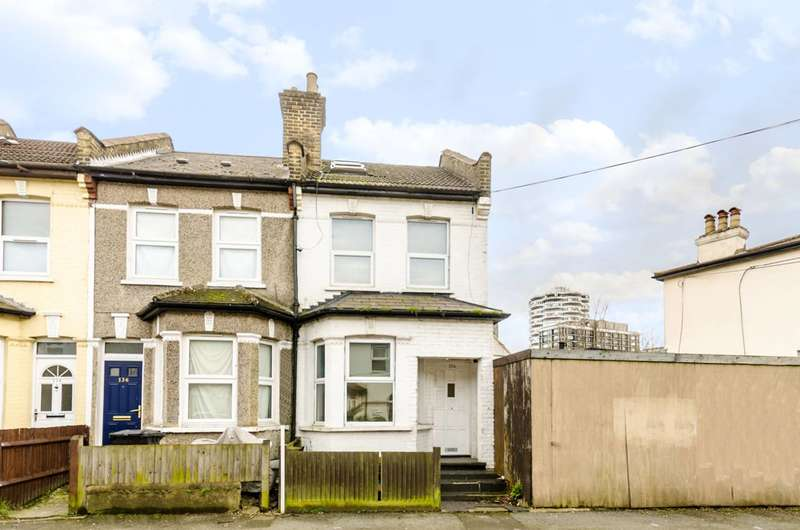 3 Bedrooms Semi Detached House for rent in Oval Road, East Croydon, CR0