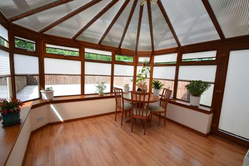 3 Bedrooms End Of Terrace House for sale in Kirkfield Gardens, Renfrew, PA4