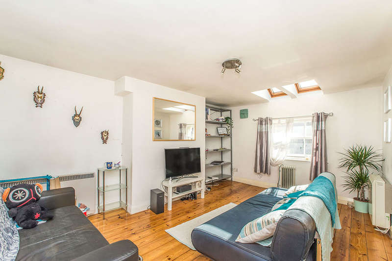 2 Bedrooms Flat for sale in Monk Street, Newcastle Upon Tyne, NE1