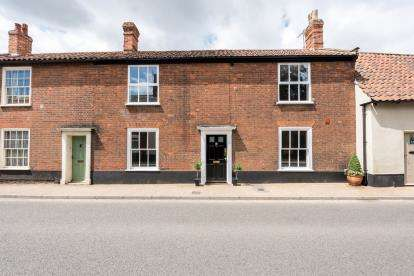 2 Bedrooms Flat for sale in Beccles, Suffolk