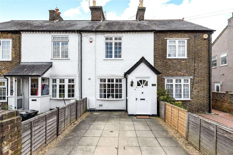 3 Bedrooms Terraced House for sale in Newtown Road, Denham, Buckinghamshire, UB9