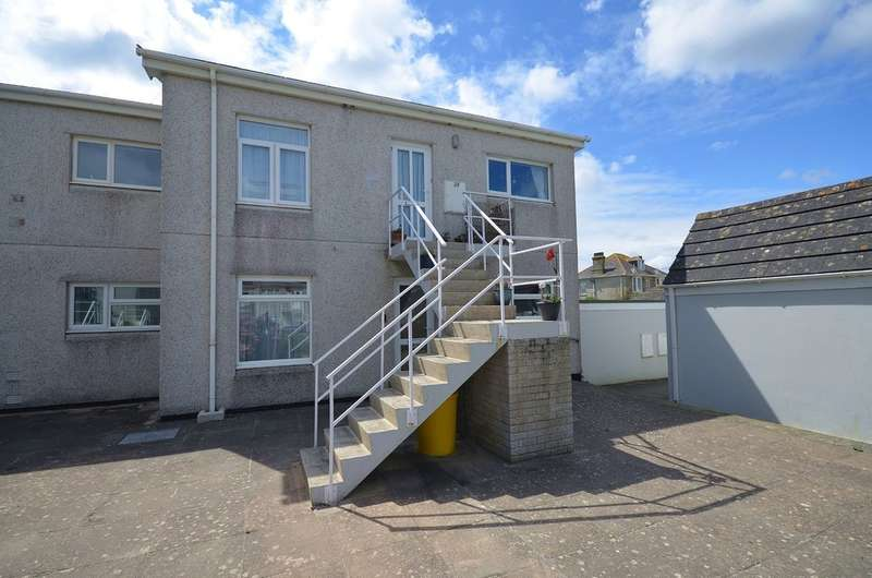 2 Bedrooms Apartment Flat for sale in Josephs Court, Perranporth