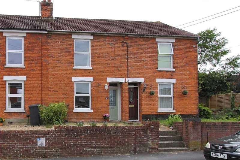 2 Bedrooms Terraced House for sale in Love Lane, Andover