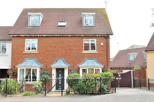 6 Bedrooms Detached House for sale in Flitch Green, Dunmow, Essex