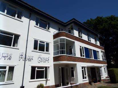 2 Bedrooms Flat for sale in 17 Surrey Road, Bournemouth, Dorset