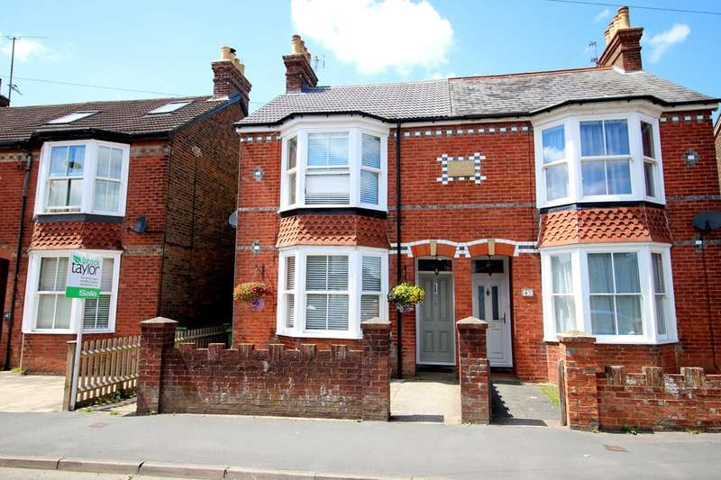 3 Bedrooms Semi Detached House for sale in Clarence Road, Horsham
