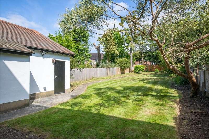 4 Bedrooms Semi Detached House for sale in Heddon Court Avenue, Cockfosters, Barnet, Hertfordshire, EN4