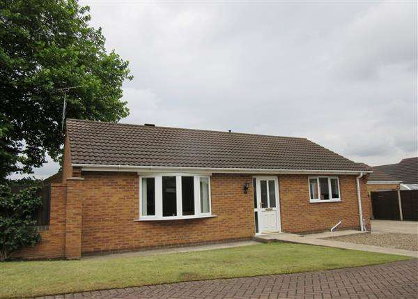 2 Bedrooms Detached Bungalow for sale in Peterhouse Court, Scunthorpe