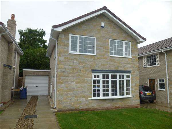 3 Bedrooms Detached House for sale in Springwood, Haxby, York