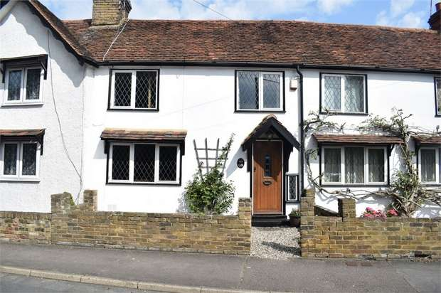 3 Bedrooms Terraced House for sale in Maldon Road, Great Baddow, Chelmsford, Essex