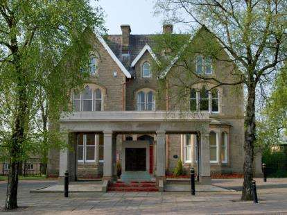 1 Bedroom Flat for sale in The Gables, Albert Road, Colne, Lancashire, BB8