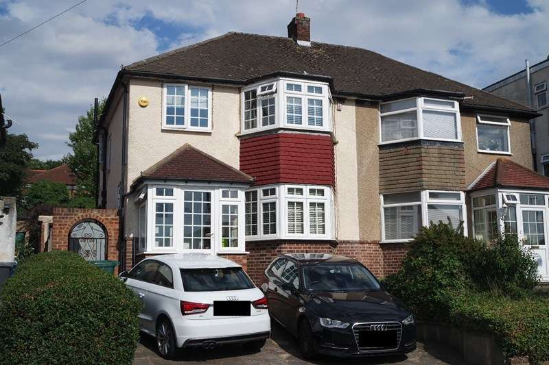 3 Bedrooms Semi Detached House for sale in Northfield Road, New Barnet