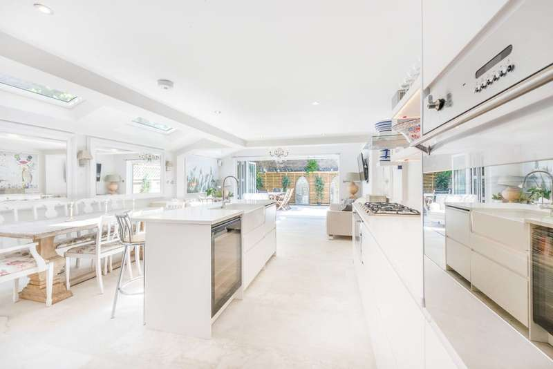 5 Bedrooms Flat for sale in Percy Road, Shepherd's Bush, W12