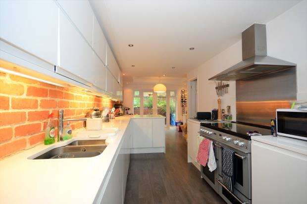 4 Bedrooms Detached House for sale in Moorland Way, Exeter, Devon