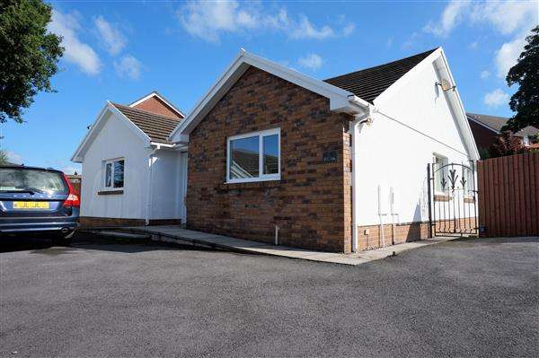 3 Bedrooms Detached Bungalow for sale in Gwaun Henllan, AMMANFORD