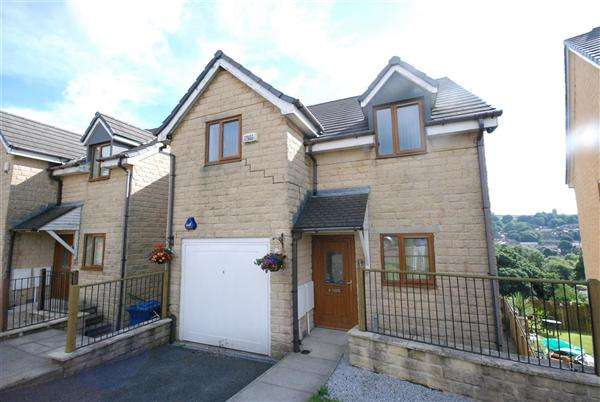 4 Bedrooms Detached House for rent in Daneswood Avenue, Whitworth