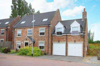 5 Bedrooms Detached House for sale in Brooklands Croft, Wales, Sheffield, South Yorkshire