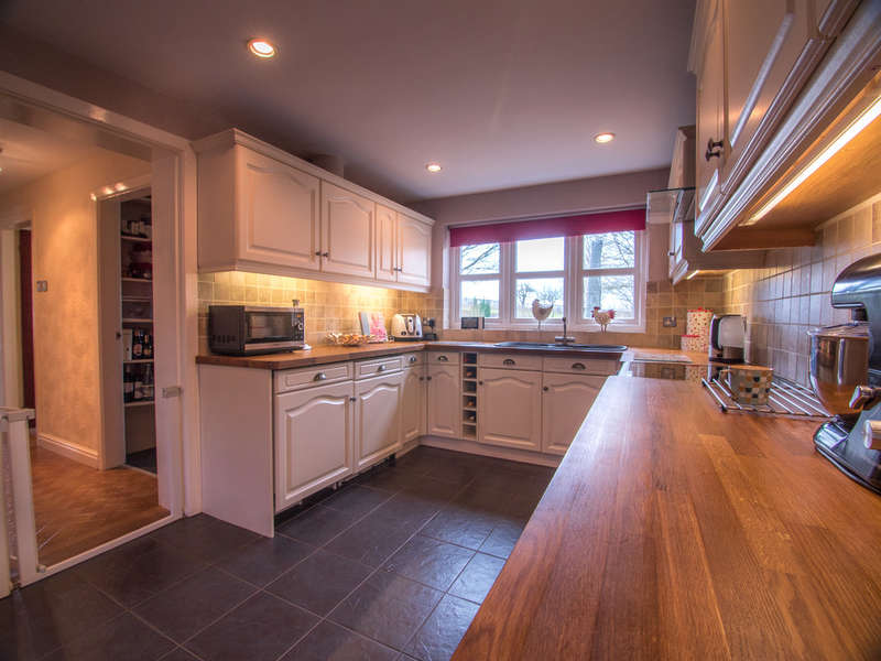 6 Bedrooms Unique Property for sale in Station Road, Crowton