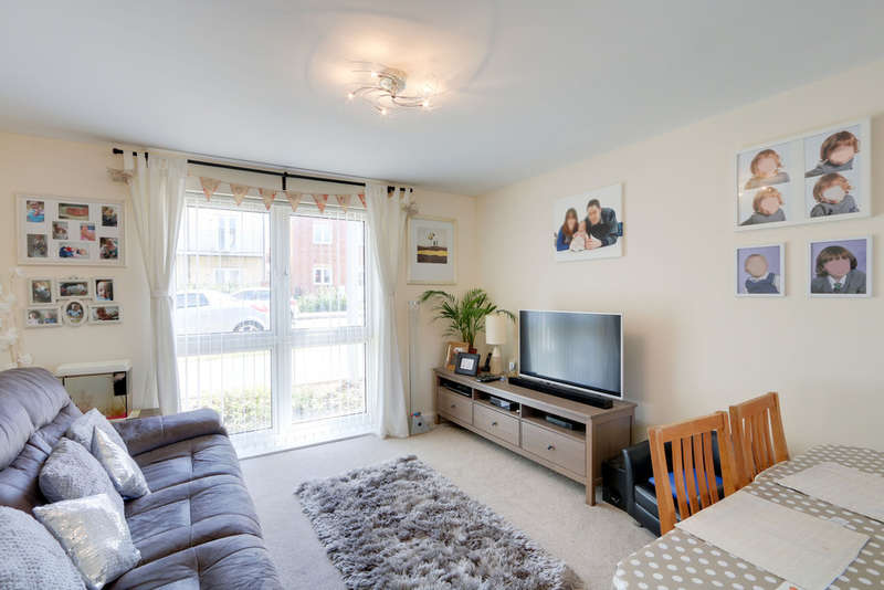 2 Bedrooms Ground Flat for sale in Younghayes Road, Cranbrook