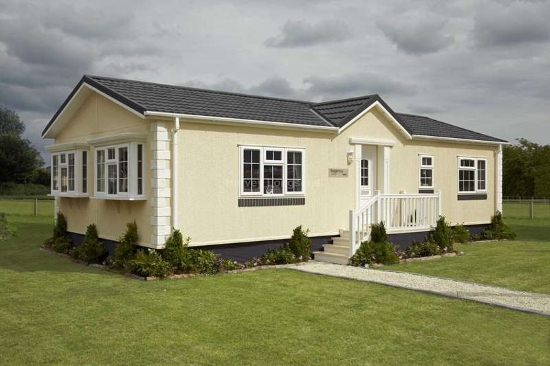 2 Bedrooms Park Home Mobile Home for sale in Lyne Lane, Lyne