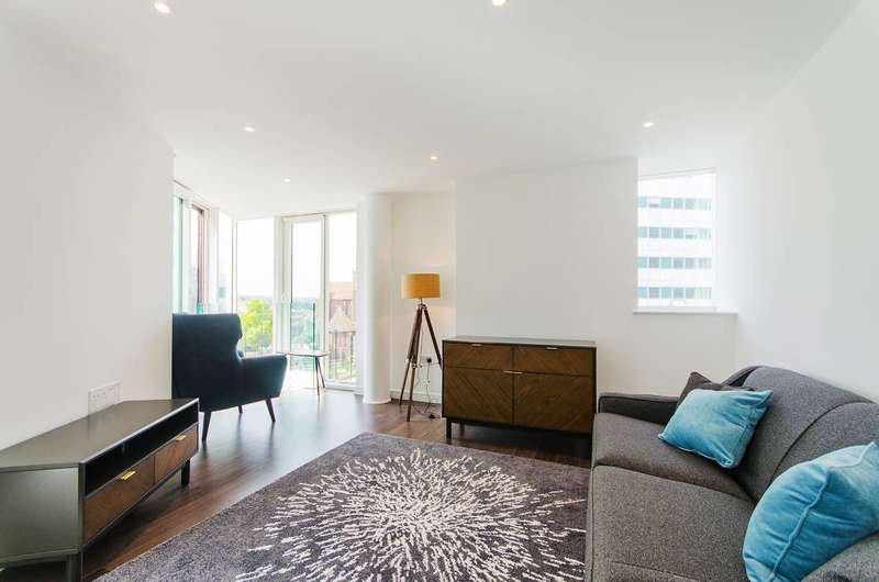 2 Bedrooms Flat for rent in Saffron Tower, Croydon, CR0