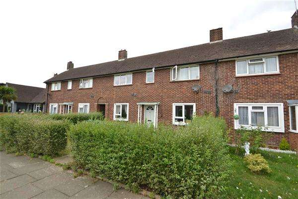 3 Bedrooms Terraced House for sale in Elsinore Avenue, Stanwell